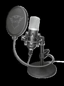 Studiomikrofon GXT 252 Emita mit auf einem Standfuß mit angebrachtem Popp-Filter